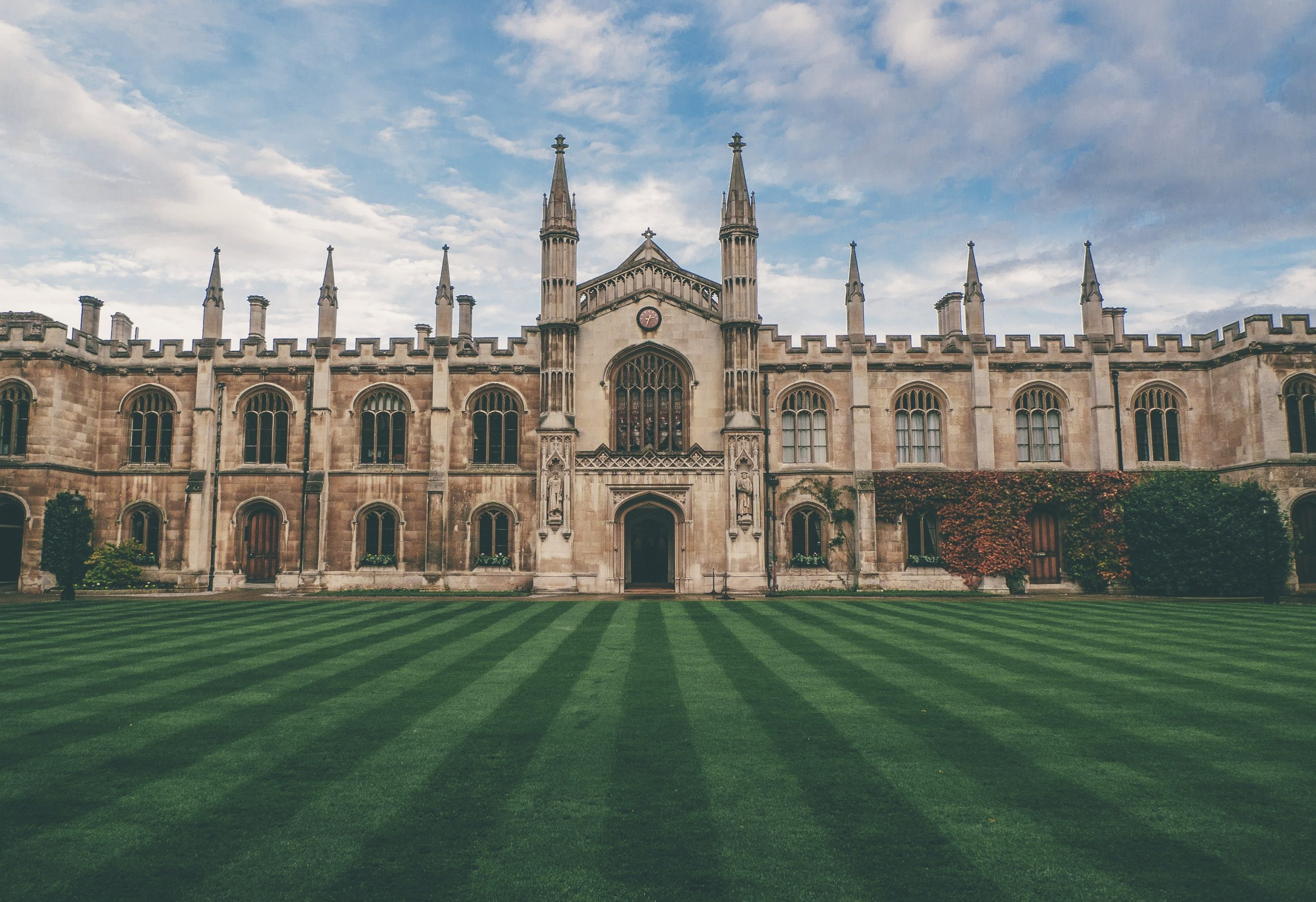 Uncovering Oxford: All About The City of Dreaming Spires
